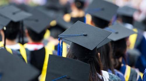 Mencari dana untuk melanjutkan studi kuliah