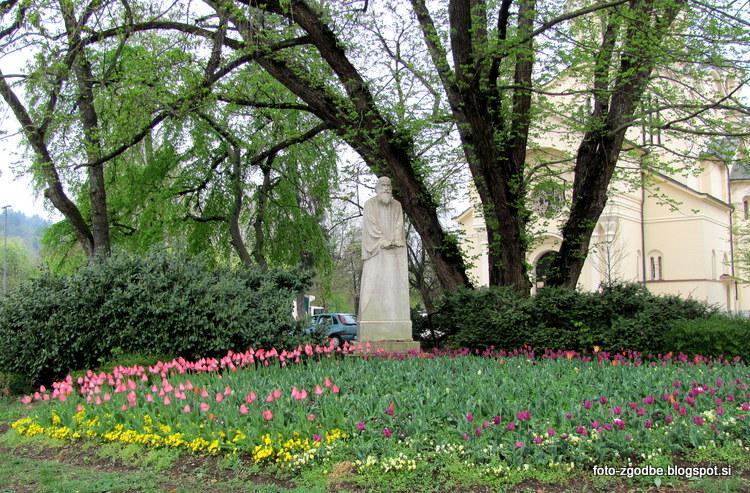 Primož Trubar, spomenik