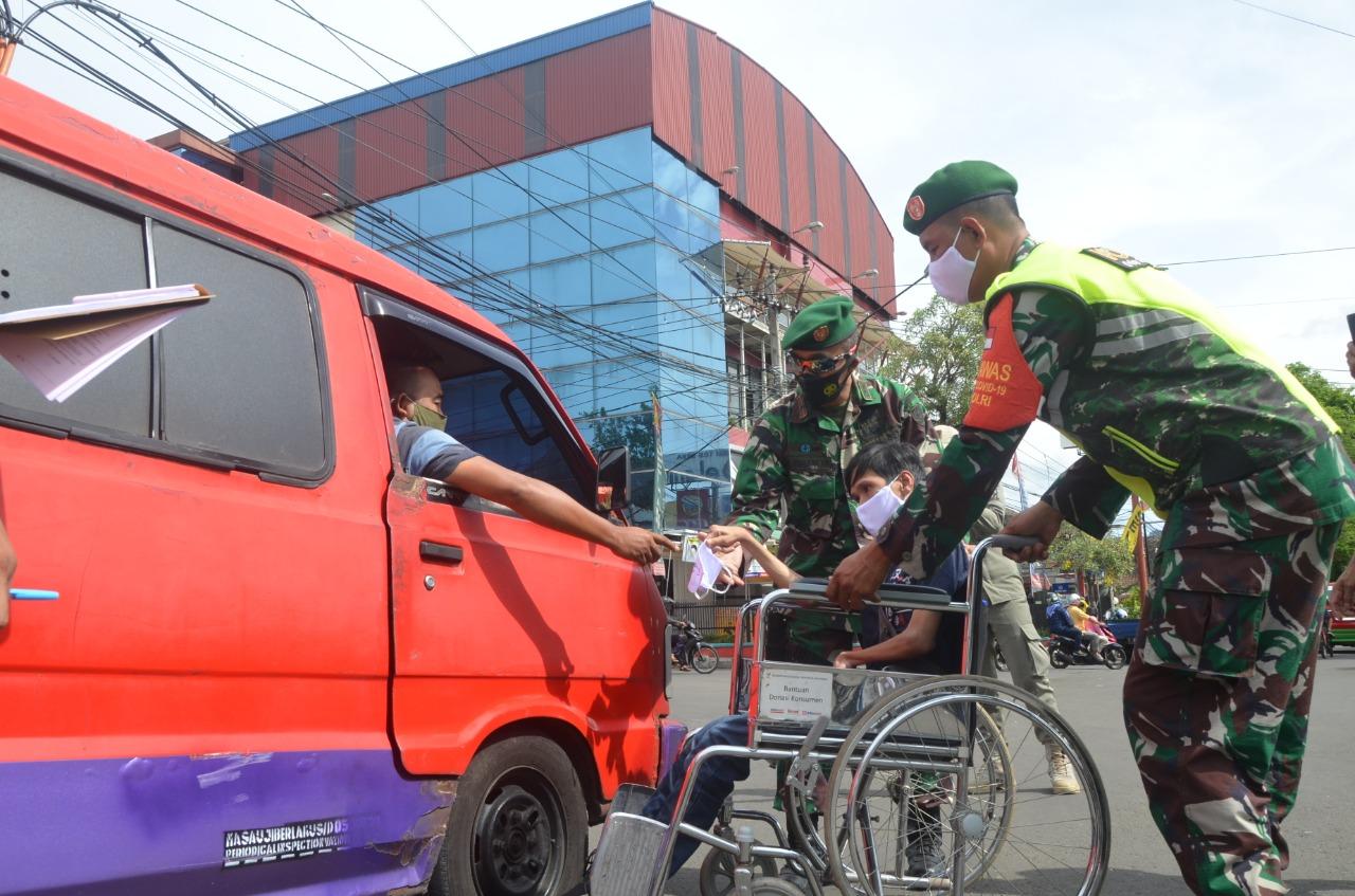 NPCI Bagikan Ribuan Masker di Cianjur