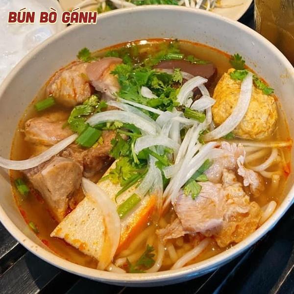 Bún Bò Bò Gân Chả (Tôm Cua) - Boneless, Tendon, Shrimp Balls (Crab Balls)