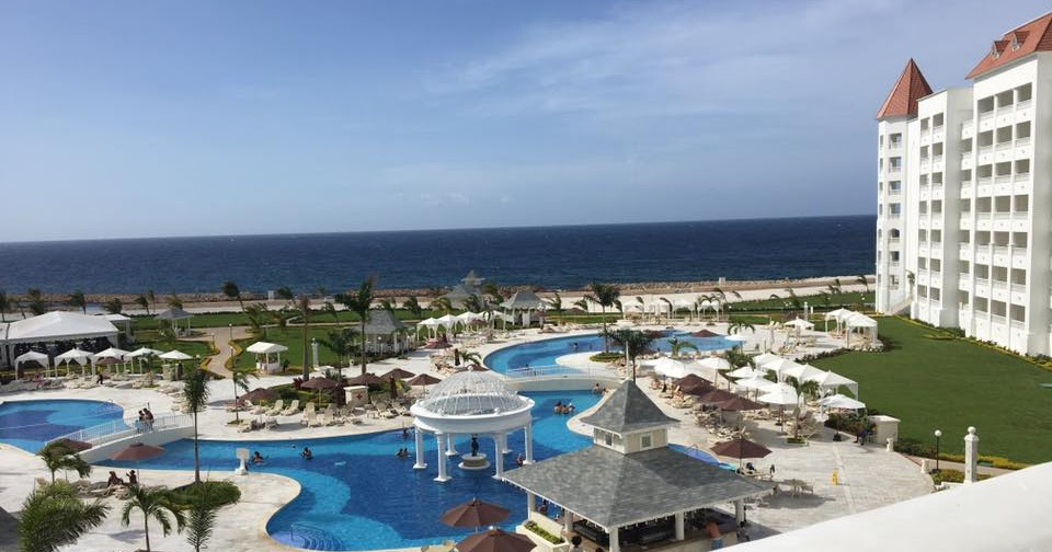 Travel for you luxury bahia principe runaway bay adults for Luxury all inclusive resorts adults only