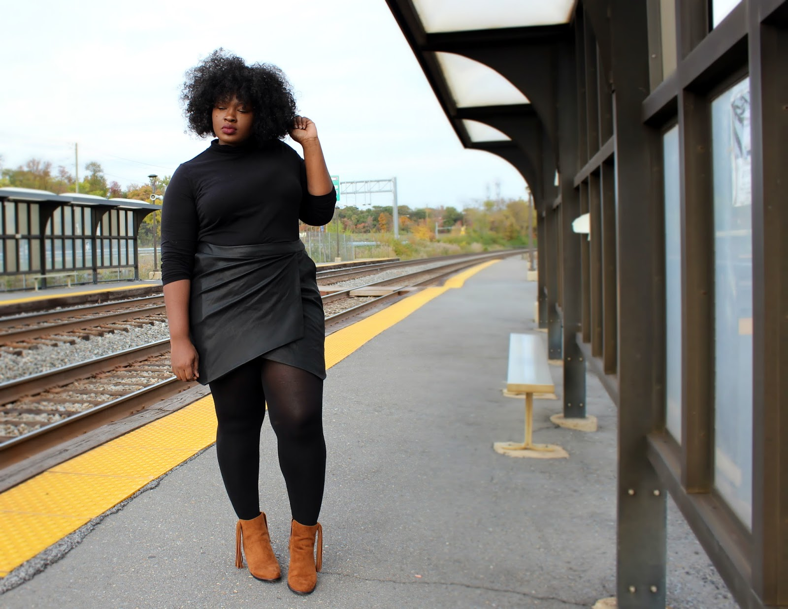 What To Wear On Thanksgiving Turtle Neck Leather Skirt