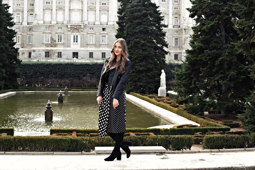 Dots in the royal garden