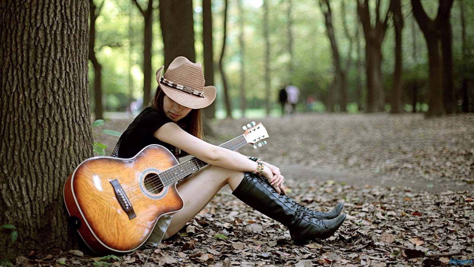 Girl With Guitar Wallpapers And Girl With Guitar Pics And