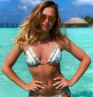 Picture of Sophia Florsch in a bikini