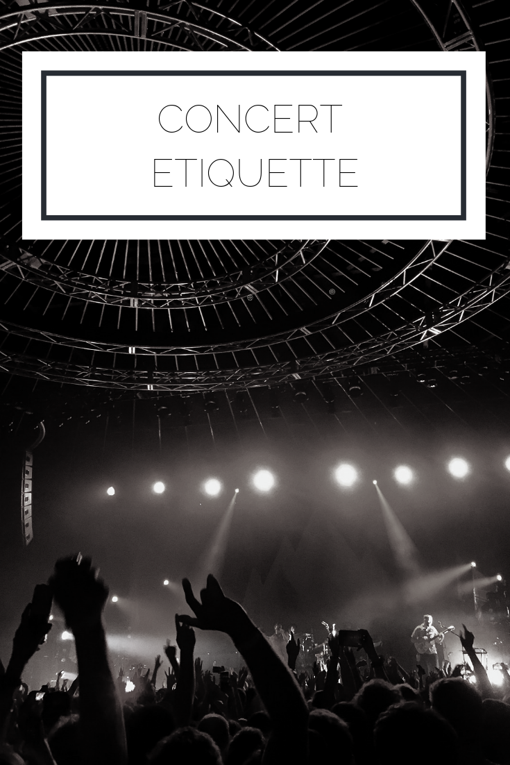 Click to read now or pin to save for later! If you're headed off to a concert, make sure you take a look at these lists of dos and don'ts for concert etiquette