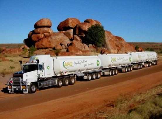 gambar truk gandeng terpanjang di dunia