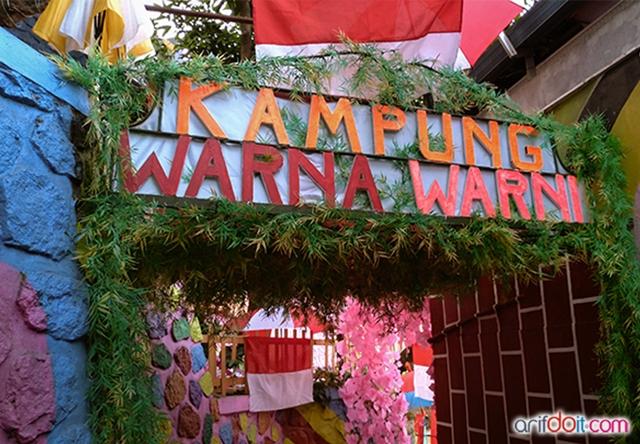 Gate Kampung Warna - Warni