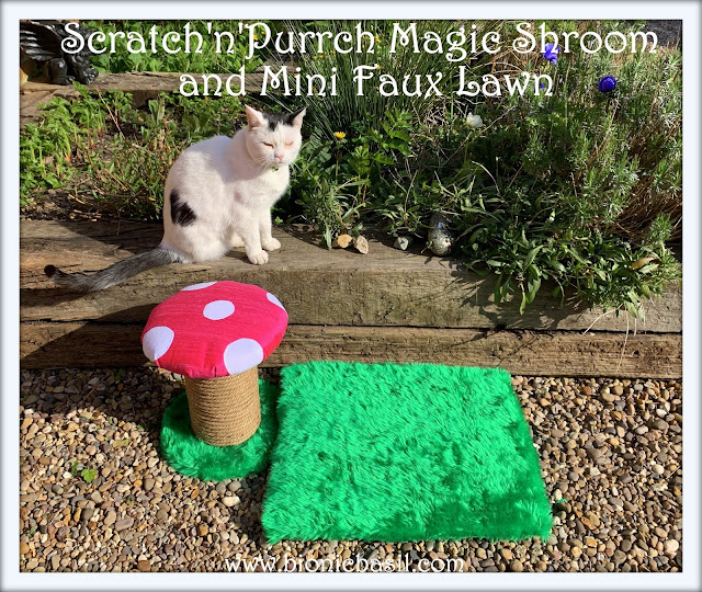 Crafting with Cats Easter Special ©BionicBasil® Scratch'n'Purrch Magic Shroom and Mini Faux Lawn