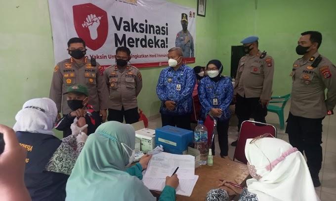 Kapolresta Tangerang Kunjungi Gerai Vaksin Presisi Polsek Cisoka