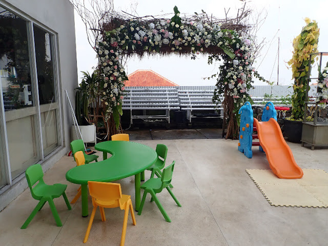 kids area clove garden hotel bandung
