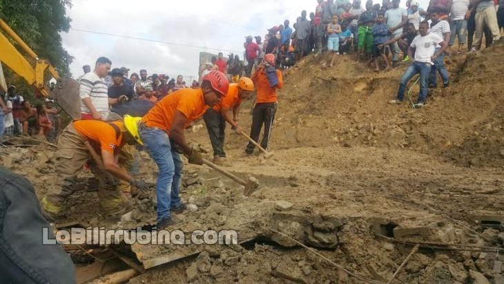Derrumbe de pared mata hombre en Santiago
