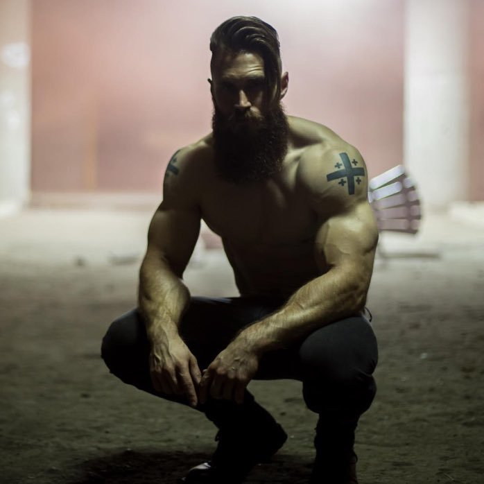 hot-bearded-guys-mysterious-tattoo-hunks-big-biceps