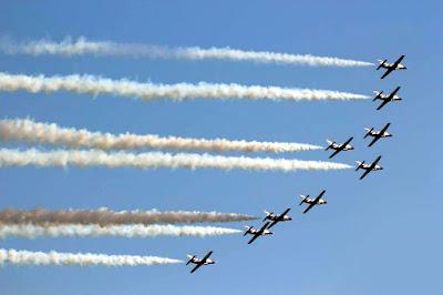 فريق النجوم الفضية المصرى يشارك فى معرض أثينا الدولى للطيران باليونان