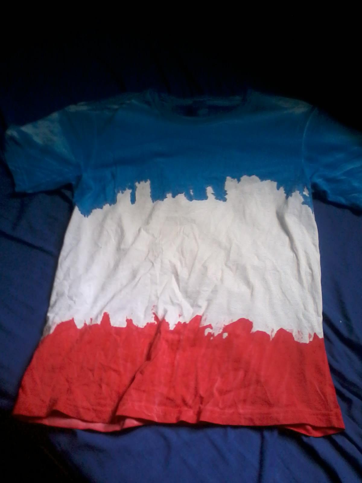 576fc795b9 Peço desculpas por não ter feito o antes e depois mas a primeira camiseta  era totalmente amarela e a segunda totalmente branca