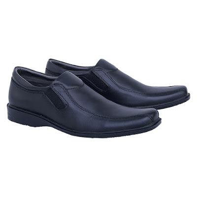 Sepatu Pantofel Pria Catenzo TH 093