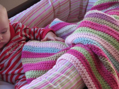 Puerta al sur mantas para bebe tejidas a crochet para la cuna for Mantas de lana hechas a mano