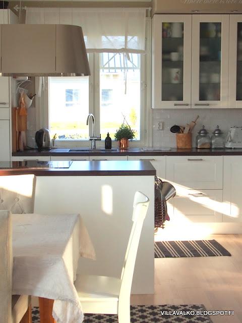 uusi keittiö vanhaan taloon