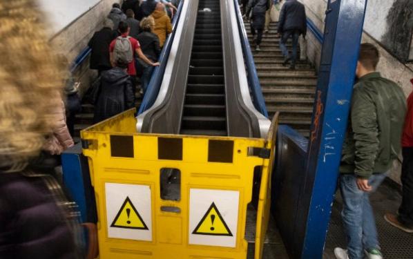 Metro Cornelia, si rompe scala mobile