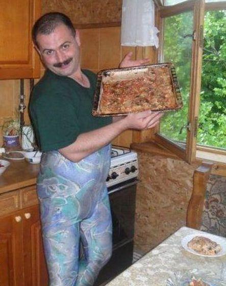 hombres en la cocina, humor