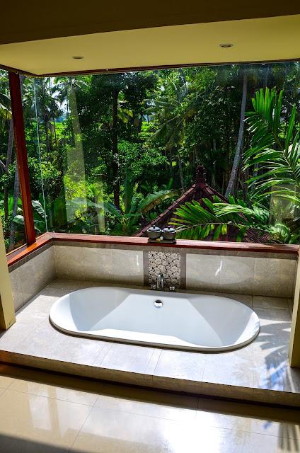 Casa Priya - Wanna w jednej z łazienek