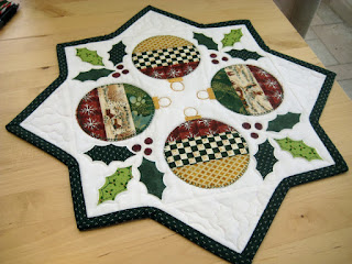 Holly Jolly Table Runner 34 X 70 Free Pattern At Studio E Fabrics Pdf