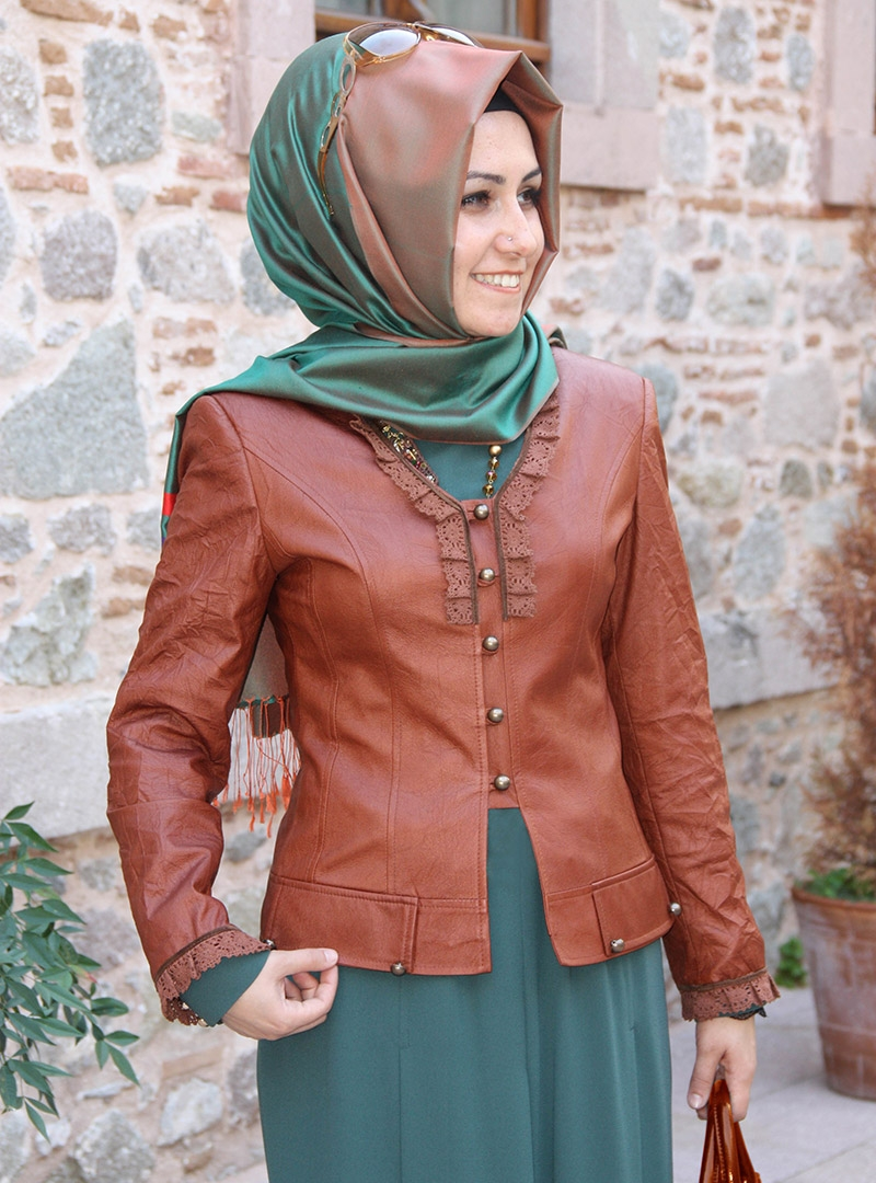 Trendy Hijab Fashion: Lacy Leather Jacket Models