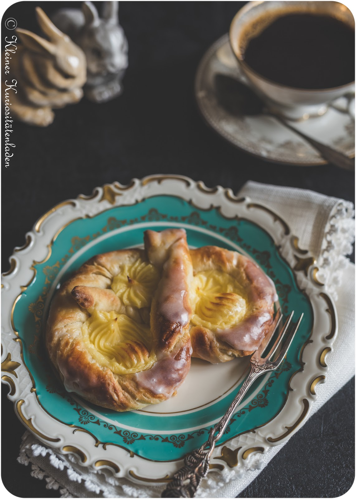 Puddingbrezel aus Plunderteig