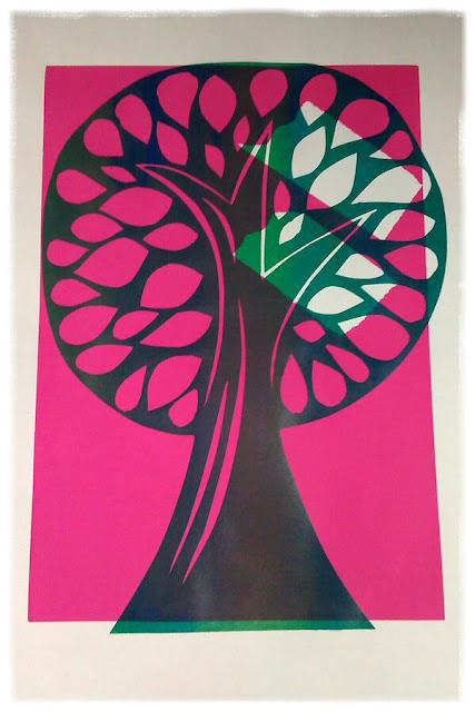 Ivy Arch tree on pink rectangle with missing white area