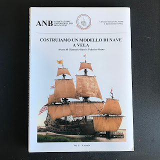 Libro di modellismo su come costruire un modello di nave a vela scritto dall'ANB