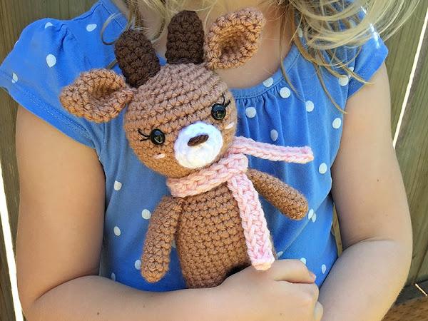 Free Crochet Mini Reindeer Pattern