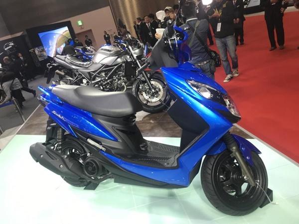Suzuki SWISH 125. Skutik 125cc dengan Lampu LED