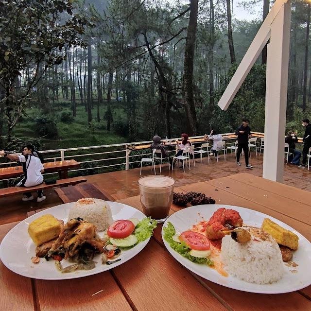 Menu di Warung Kopi Gunung Cikole Lembang