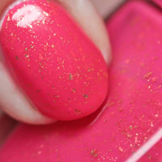 Rogue Lacquer Pink Strong