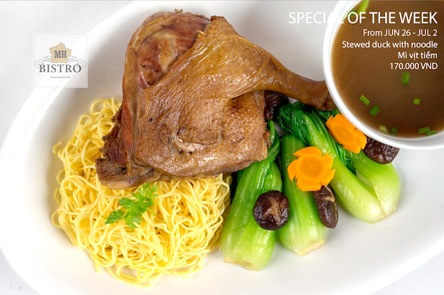 Stewed duck with noodle - 170.000 VND