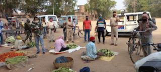 लॉकडाउन का पालन कराने सुबह से ही सड़क पर उतरे अधिकारी, फील्ड में शिफ्ट सब्जी मंडी