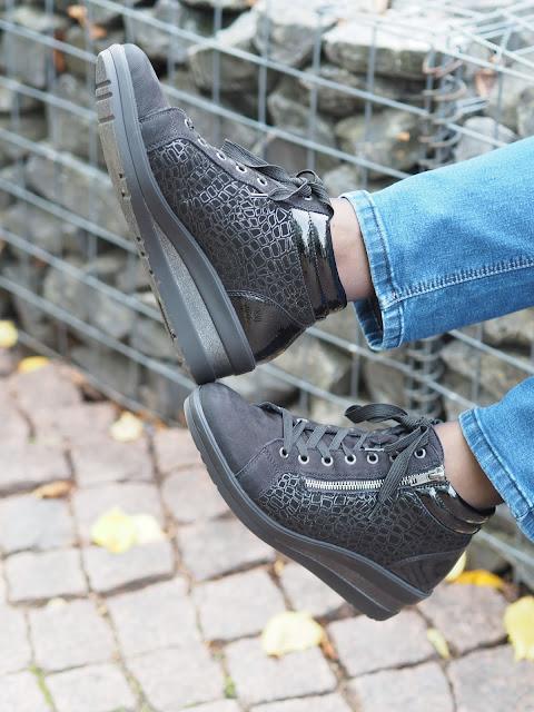 Remonte soft kengissä on kiilakorko