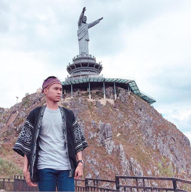 Patung Yesus di Toraja