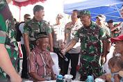 Panglima TNI Tinjau Baksos Kesehatan di Kampung Skouw Papua