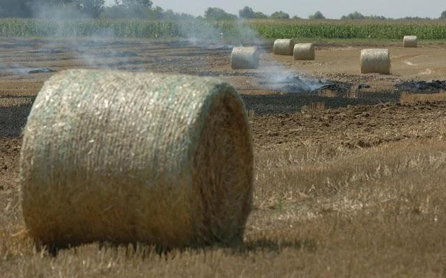 Körbála és trágyakupac lángolt a megyében