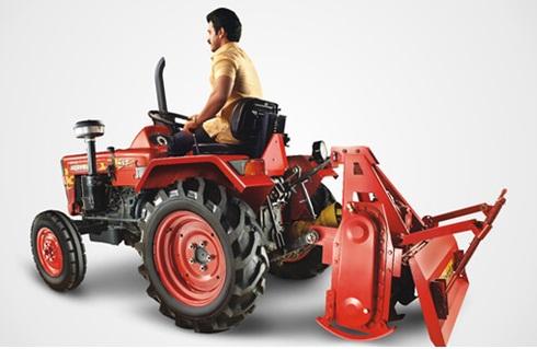 mahindra-yuvraj-215 chota tractor