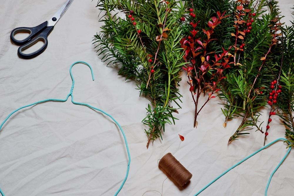 DIY, wieniec, cis, świąteczny, wieniec adwentowy, stroik świąteczny, wiateczny.