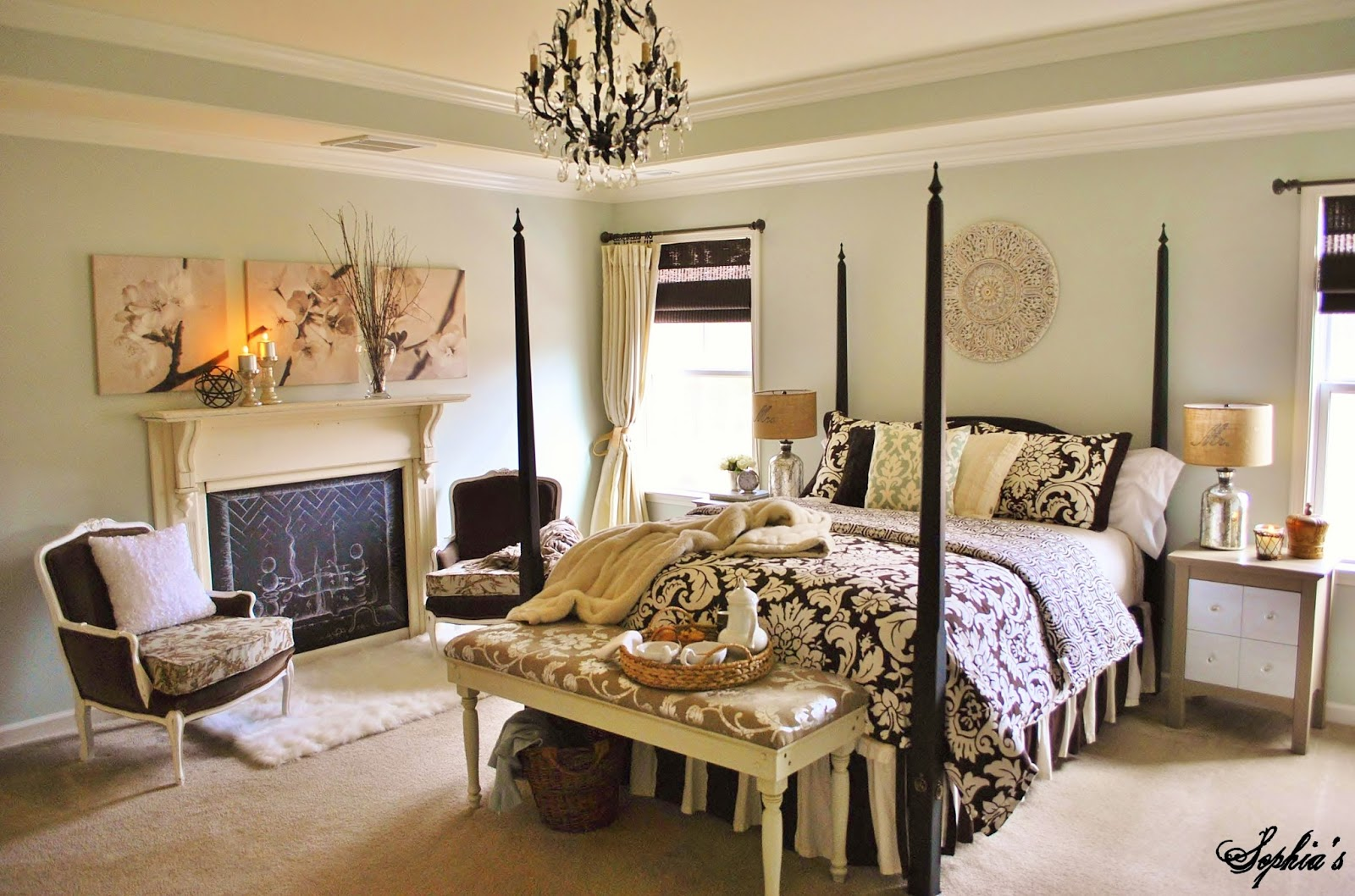 sophia 39 s house tour. Black Bedroom Furniture Sets. Home Design Ideas