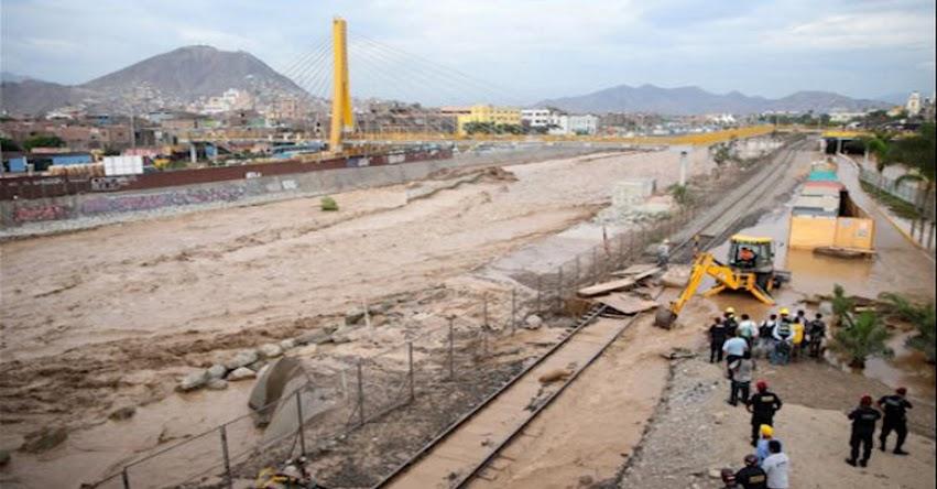 Río Rímac se desbordó y aguas inundan Parque La Muralla - Lima