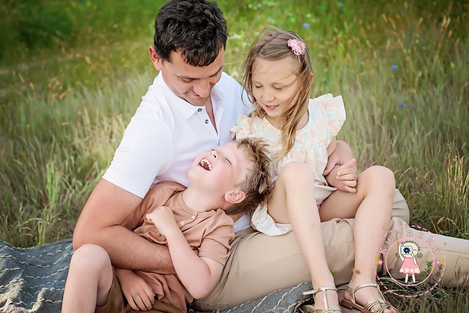 Tata córka i syn