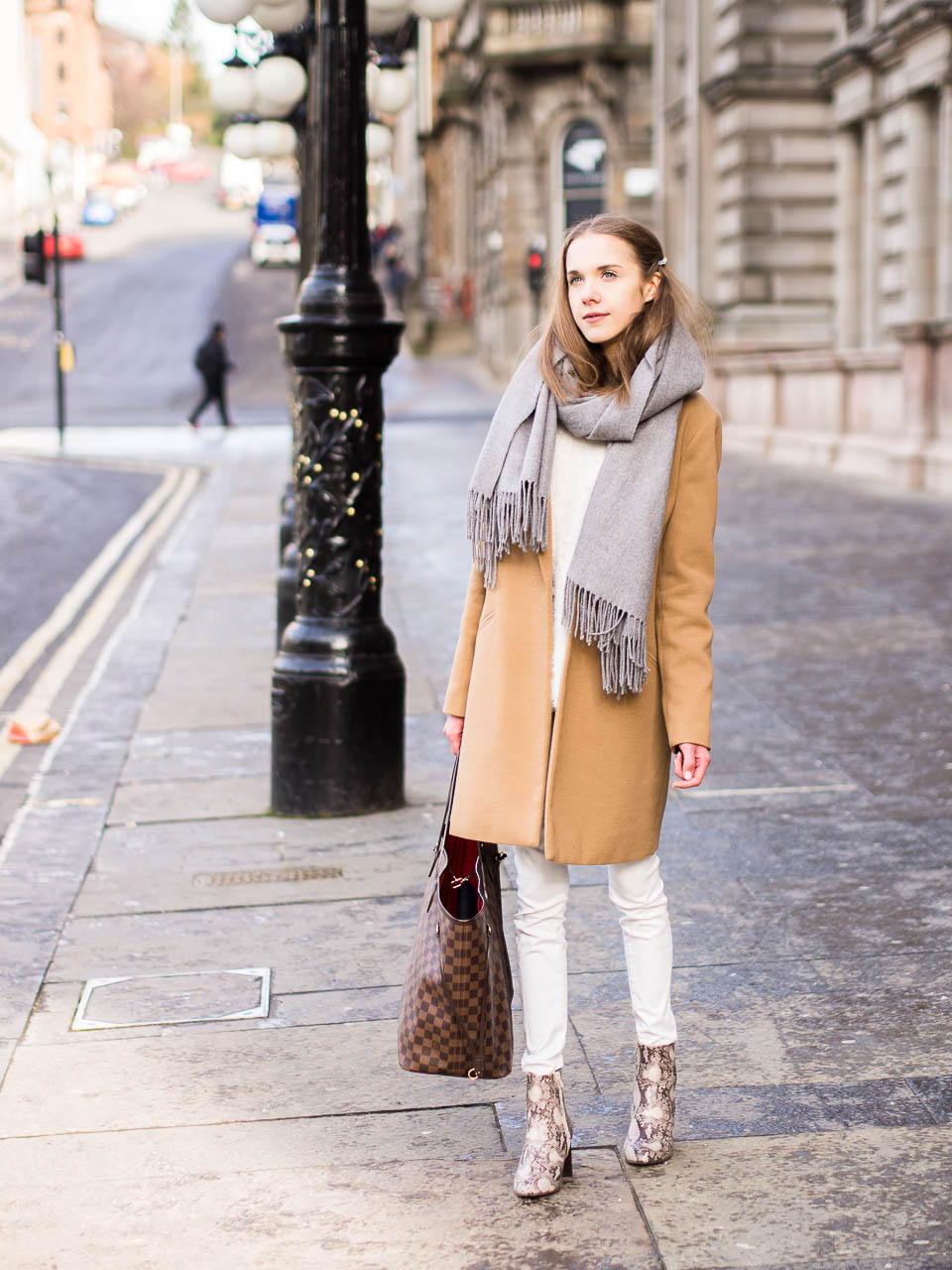 all-white-outfit-with-camel-coat-fashion-blogger-inspiration