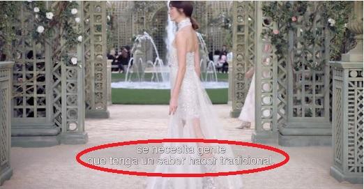 Fotograma con texto en blanco fondo blanco de la web de Chanel en desfiles