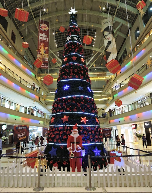 Christmas tree installed at KORUM Mall is a great selfie point for patrons
