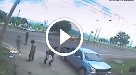 Heboh! Sering Ngebut di Jalan Raya? Video Detik-detik Terjadinya Kecelakaan Ini Harus Kamu Tonton