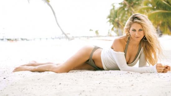Hot girls 3 sexy Russia tenis players with bikini 7